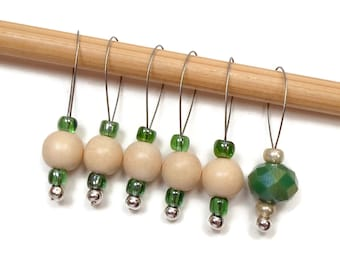 Knitting Stitch Markers Beaded Green Beige Snagless