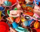 Vintage Cracker Jack Prizes Gum ball Machine Toys Princess Phone Key chain, false teeth miniatures Misc Huge 26 Piece Lot