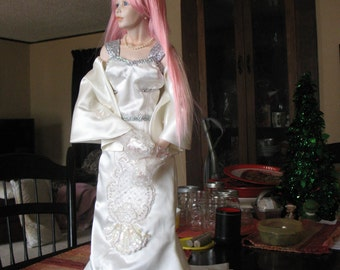 Custom Wedding Dresses and Gowns for Dolls* and Teddy Bears