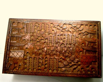 1920s Carved Wood Box, Mans Chinese Antique Stash, Fully Hand Engraved w Figural Designs, No Key, Asian Beauty, Traditional Man Cave