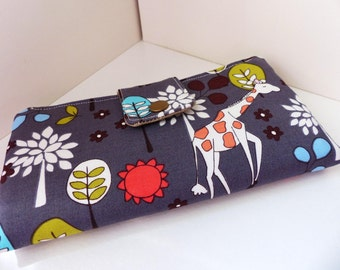 Must have wallet - Giraffe Garden