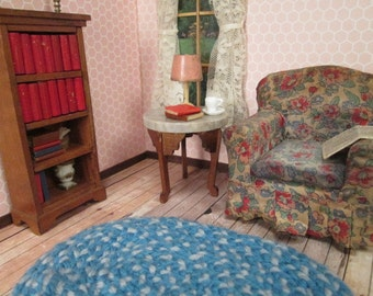 """Antique Dollhouse Furniture - Small Round Marble Topped Table - 1"""" Scale"""
