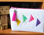 Gorgeous bold & bright Tula Pink 'Flying Geese' patchwork pouch pencil case zippered pouch