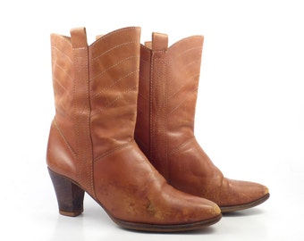 Cowboy Boots Vintage 1970s Distressed Stacked Heel Tan Carmel Brown Women's size 6 1/2 B