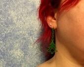 Holiday Tree Earrings w/ dangling star