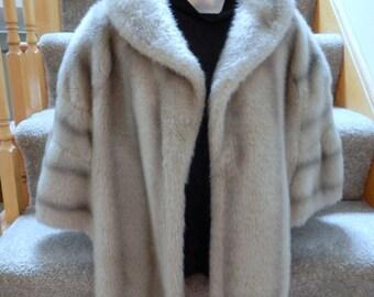 faux fur cape, capelet, coat, light tan, outerwear, evening wear, ladies clothing, vintage Sears Fashions