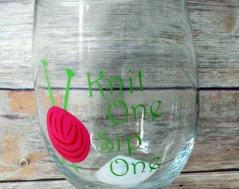 Knitting steamless wine glass