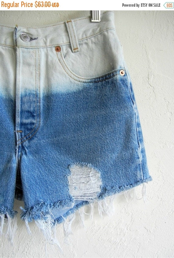 35% OFF SUMMER SALE Ombré Medium Wash Levi's Denim Shorts