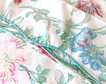 Vintage Laura Ashley Queen Flat Sheet Scalloped Edge