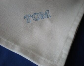 Linen White Hankerchiefs. Men. Initials. Personalized.Set of 3. Custom Wedding Groom. Dad. Birthday.Bar Mitzvah. Hanukkah. Christmas