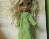 Bright green Crinkle dress for Blythe doll