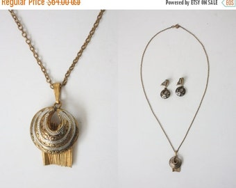30% OFF SALE vintage 1930s art deco necklace set