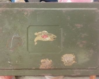 Vintage Green Metal Sectional Box Maybe for Cash or Fishing Tackle from Rustysecrets