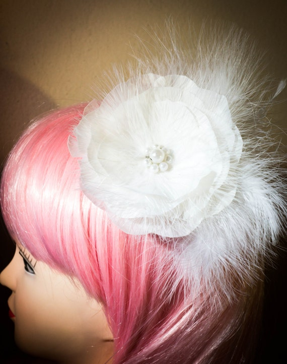 Vintage feather White Wedding hair fascinator, Bridal hair clip headband with flowers