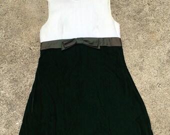 1960s 1970s Ivory and Emerald Green Velvet Cocktail Dress - Midi Length - Semi Formal Dress - Party Dress - Bridesmaid - Wedding - 36 Bust