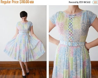 SUMMER CLEARANCE 1950s Pastel Floral Dress with Lattice Bodice - M