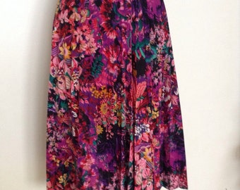 French vintage 1970s pink and purple floral pleated skirt - small medium S M