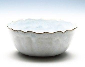 Cloudy-White Medium Lotus Bowl
