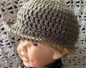Gray baby hat with brim