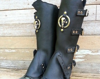 Primitive Oiled Black Leather Peaked Spats with Nickel Raven Skull & Antiqued Embossed Ring