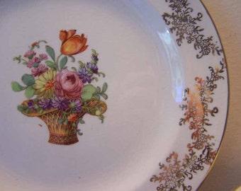 Homer Laughlin, Royal China, Flowers in Basket, 22 KT Gold Filigree, Set of 6, China Plates, Vintage