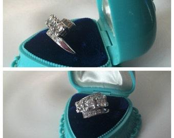 Vintage Retro 14K Gold Bypass Diamond Ring