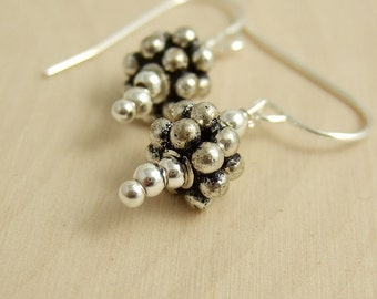 Earrings with Sterling Silver Daisy Bali Beads HE-317