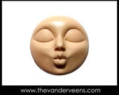 Mold No.241 (Full moon Face with kissing) by Veronica