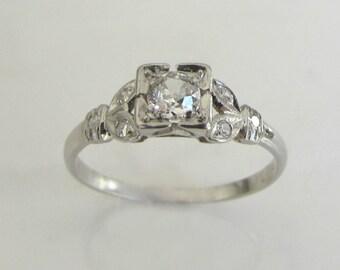 Art Deco Antique 1920's diamond and platinum engagement ring
