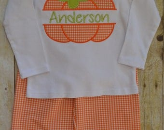 Gingham shorts or pants and appliqué shirt of your choice.
