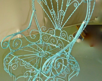 Metal wire twisted Chair, Adorable