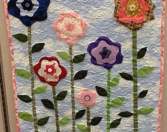 Flowers in the Grass Quilted Wallhanging