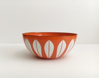 """Vintage CATHRINEHOLM Orange Lotus Enamelware Bowl 8"""" Mid Century Modern Norway"""