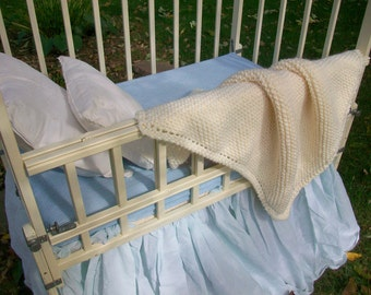 Chunky baby blanket Natural color Infant afghan Hand knit