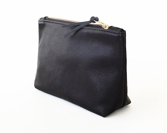 Black Leather Clutch, Leather Zipper Pouch, Everyday Clutch, Leather Evening Clutch, Leather Wristlet, Cosmetic Bag, Leather Make-up Bag