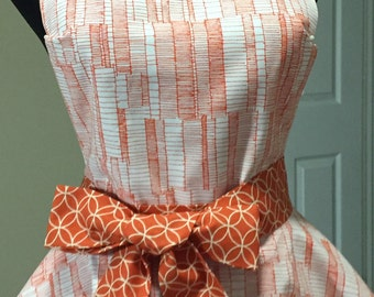 Two Tiered Twirly Abstract Apron in Shades of Orange