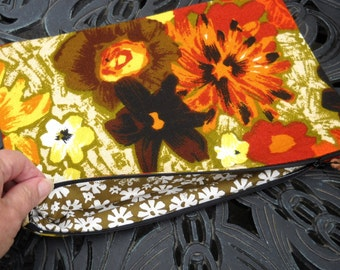 Zippered Pouch, Retro Fabric, Mid Century Floral, Knitting Needle Keeper, Travel Bag, Many  Uses