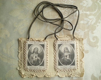 OLD Vintage Antique Scapular Sacred Heart of Jesus and Virgin Mary on Paper Lace Card