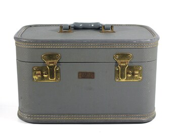 Grey Shelby Luggage Train Case