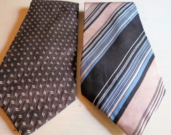 Vintage Retro 1970s Pair of Neckties