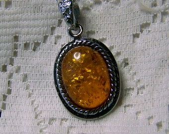 Amber Oval Pendant, Faux golden amber crystals Necklace, Autumn colors Pendant, Antiqued Silver, Yellow Orange, Autumn Jewelry, Fall Jewelry