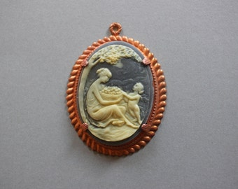 Large Vintage Cameo In Art Deco Copper Setting - Cameo Pendant