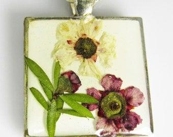 Wildflowers, Pressed Flower Pendant, Real Natural  Flowers in resin  (1587)