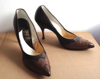 Vintage HOT, 1960's Pinup spike heels.  Stilettos, Rockabilly, Bombshell, Pumps, Life Stride high heel shoes, Size 8.5 A