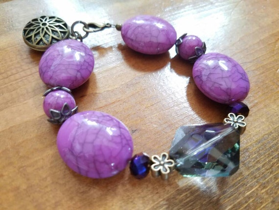 Purple bead bracelet, purple bracelet, beaded bracelet, lavender bead bracelet, lavender bracelet, purple crystal bracelet, crystal bracelet
