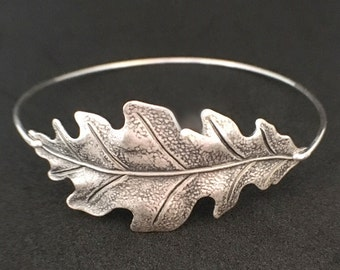 Oak Leaf Bracelet, Oak Leaf Jewelry, Silver Leaf Bracelet, Autumn Bangle, Fall Bracelet, Nature Bracelet, Fall Leaf Jewelry, Oak Jewelry