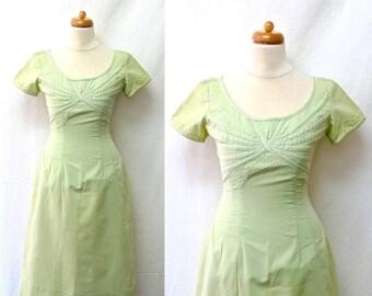 1960s Vintage Cotton Dress / Pistachio Green Empire Dress