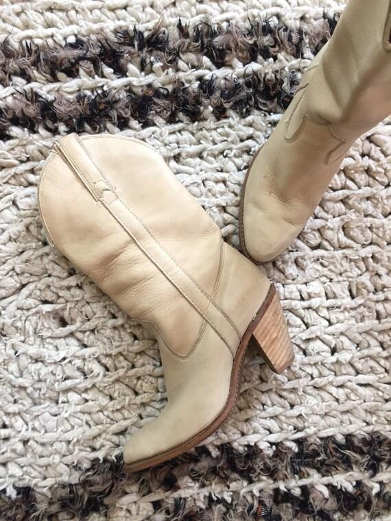 Vintage Ivory Capezio Cowboy Boots / 7M
