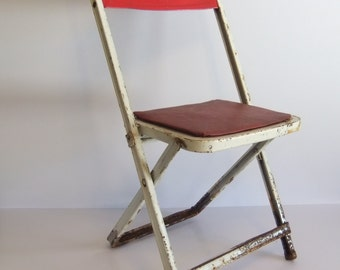 Metal Chair - Vintage Metal Whilte Kids Chair - Folding Chair - Rusty Childrens Metal foldable seat