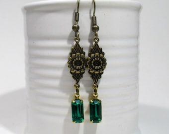 Victorian Green Rhinestone Earrings - Edwardian -  Vintage Rhinestones - Downton Abbey Inspired